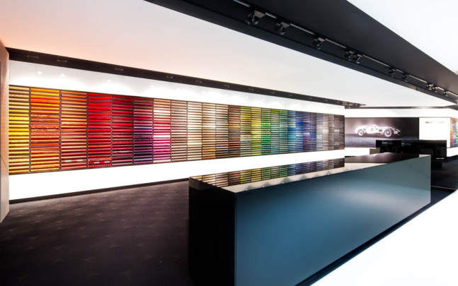 showroom_retailer_colour_wall_oc